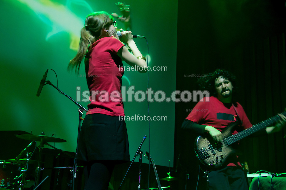 Lo Blondo (Denise Gutierrez) performing in concert with Alonso Arreola. January 27, 2012. Mexico City, Mexico.