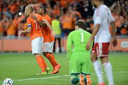 04-06-2014 NED: Vriendschappelijk Nederland - Wales, Amsterdam<br /> Nederland wint met 2-0 van Wales / Jeremain Lens scoort de 2-0 op aangeven van Arjen Robben