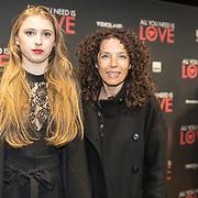 NLD/Amsterdam/20181126 - premiere All You Need Is Love, Paula van der Oest en ......
