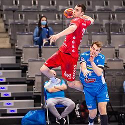 Hendrik Wagner (Eulen Ludwigshafen #28) ; Rudolf Faluvegi (TVB Stuttgart #8) ; HBL 1.Handball-Bundesliga: TVB Stuttgart - Eulen Ludwigshafen am 11.02.2021 in Stuttgart (PORSCHE Arena), Baden-Wuerttemberg, Deutschland<br /> <br /> Foto © PIX-Sportfotos *** Foto ist honorarpflichtig! *** Auf Anfrage in hoeherer Qualitaet/Aufloesung. Belegexemplar erbeten. Veroeffentlichung ausschliesslich fuer journalistisch-publizistische Zwecke. For editorial use only.