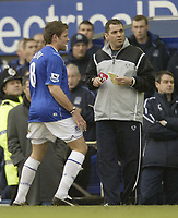 Photo Aidan Ellis, Digitalsport<br /> Everton v Chelsea.<br /> FA Barclays Premiership.<br /> 12/02/2005.<br /> Everton's James Beattie has a rant at the fourth official after been sent off