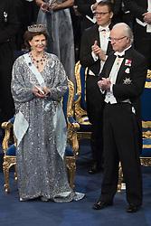 Kˆnigin  Silvia, Kˆnig Carl XVI Gustaf  bei der Nobelpreisverleihung 2016 in der Konzerthalle in Stockholm / 101216 ***The annual Nobel Prize Award Ceremony at The Concert Hall in Stockholm, December 10th, 2016***