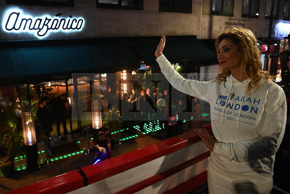© Licensed to London News Pictures. 29/10/2020. London, UK. FARAH LONDON, Mayor of London 2021 Independent Candidate protests on a double decker bus, against the 10 p.m. Covid-19 curfew affecting the London hospitality industry. Photo credit: Ray Tang/LNP