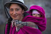Indian woman & child<br /> Marta Tacuri & Kimberly<br /> Pulingue San Pablo community<br /> Chimborazo Province<br /> Andes<br /> ECUADOR, South America