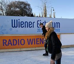 THEMENBILD - Wiener Eistraum, Eislaufen am Rathausplatz in Wien, das Bild wurde am 25. Jaenner 2012 aufgebommen, im Bild Feature Eislaeufer, AUT, EXPA Pictures © 2012, PhotoCredit: EXPA/ M. Gruber