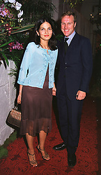 SIMON & YASMIN MILLS at a party in London on 26th May 1999. MSN 14