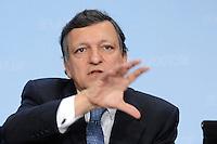 09 JAN 2007, BERLIN/GERMANY:<br /> Dr. Jose Manuel Barroso (L), Praesident der Europaeischen Kommission, waehrend einer Pressekonferenz, nach der gemeinsamen Kabinettsitzung des Bundeskabinetts und der Kommission der Europaeischen Kommission, Bundeskanzleramt<br /> IMAGE: 20070109-02-060<br /> KEYWORDS: Dr. José Manuel Barroso, freundlich