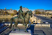 France, Paris (75), zone classée Patrimoine Mondial de l'UNESCO, île de la Cité, statue équestre d'Henri IV de François-Frédéric Lemot // France, Paris (75), area listed as World Heritage by UNESCO, Ile de la Cite, equestrian statue of Henri IV