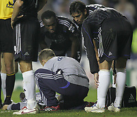 Photo: Lee Earle.<br /> Reading v Chelsea. The Barclays Premiership. 14/10/2006. Chelsea's Michael Essien and Paulo Ferreira look on as Carlo Cudicini is treated for injury.