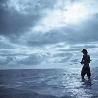 Fishing at Kaneohe Sandbar, Crossing the sandbar to Kipapa Island