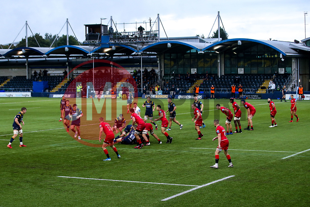Match action at Sixways Stadium between Worcester Warriors and Saracens - Mandatory by-line: Robbie Stephenson/JMP - 30/09/2020 - RUGBY - Sixways Stadium - Worcester, England - Worcester Warriors v Saracens - Gallagher Premiership Rugby