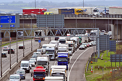 © Licensed to London News Pictures.29/03/2018<br /> Dartford, UK.<br /> A2 slip road traffic above the M25 Darenth Interchange.<br />  Maundy Thursday Easter traffic chaos has started early on the<br /> M25, Darenth Interchange (Anti Clock-wise) NEAR Dartford in Kent<br />  Photo credit: Grant Falvey/LNP