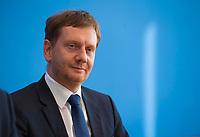DEU, Deutschland, Germany, Berlin, 19.10.2018: Sachsens Ministerpräsident Michael Kretschmer (CDU) in der Bundespressekonferenz zu den Erwartungen an die Arbeit der von der Bundesregierung eingesetzten Kommission Wachstum, Strukturwandel und Beschäftigung.