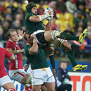 Victor Matfield, South Africa, (top) wins a line out while supported by team mate Jannie Du Plessis, during the Wales V South Africa, Pool D match during the Rugby World Cup in Wellington, New Zealand,. 11th September 2011. Photo Tim Clayton