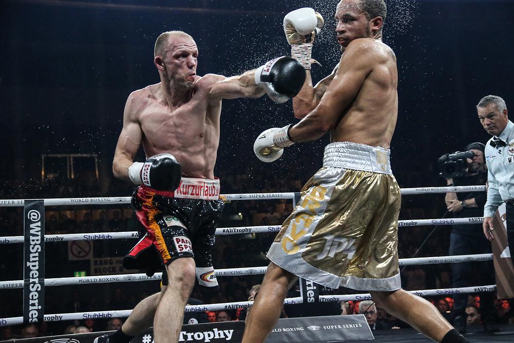 Boxen: World Boxing Super Series, Middleweight, Viertelfinale, Schwerin, 27.10.2017<br /> Juergen Braehmer (Germany, black) - Rob Brant (USA, gold)<br /> © Torsten Helmke