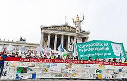 "29.11.2015, Innere Stadt, Wien, AUT, Globaler Marsch ""System Change, not Climate Change!"" anlässlich des ab morgen stattfindenden Klimagipfel ""COP21"" in Paris. im Bild Demonstranten vor dem Parlament // demonstrators in front of the austrian parliament during global climate march in austria according climate summit in paris in the inner city in Vienna, Austria on 2015/11/29 EXPA Pictures © 2015, PhotoCredit: EXPA/ Michael Gruber"