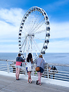 De pier met het reuzenrad, The Hague Beach, Scheveningen - The pier with ferris wheel, The Hague Beach, Scheveningen, Netherlands