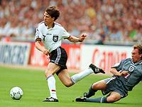 Fotball<br /> EM 1996<br /> Foto: Witters/Digitalsport<br /> NORWAY ONLY<br /> <br /> Christian ZIEGE - David PLATT <br /> Tyskland v England