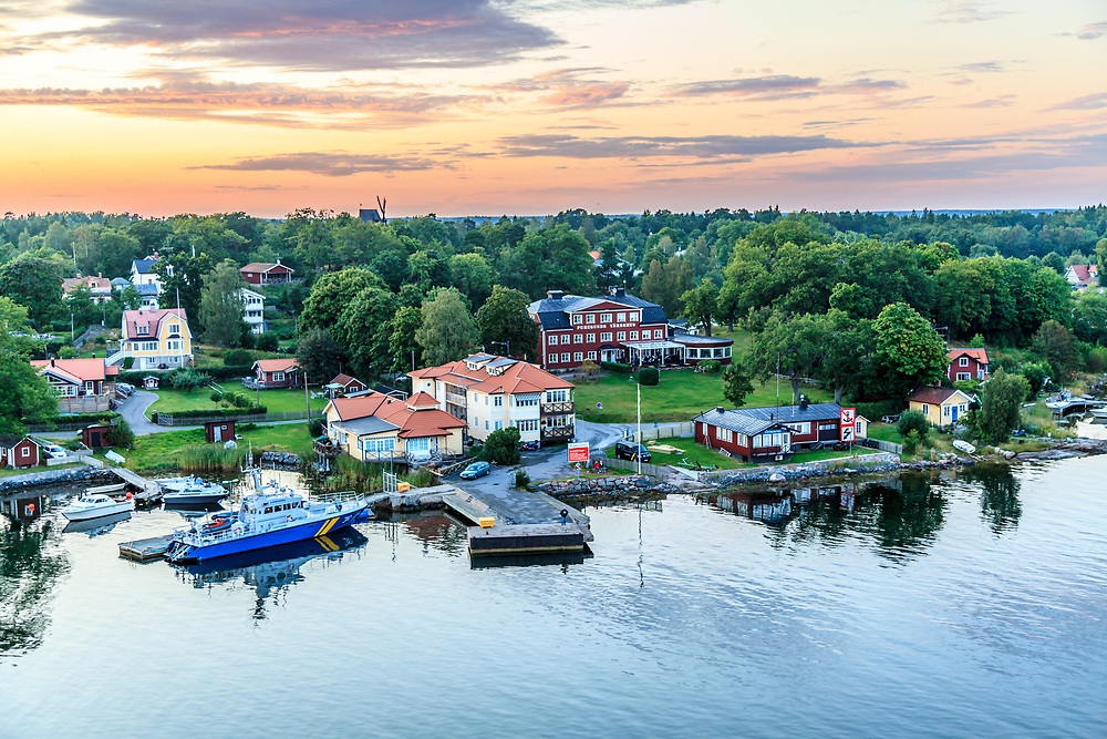 A Furusund village in Stockholm archipelago, Sweden. With its baths, picturesque villas and beautiful promenades Furusund have attracted high society and royalty, artists and writers.