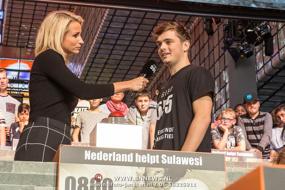 NLD/Hilversum/20181010 -  555 actiedag voor Sulawesi, Martin Garrix opent de actiedag