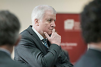 14 NOV 2018, POTSDAM/GERMANY:<br /> Horst Seehofer, CSU, Bundesinnenminister, waehrend einer Praesentation des HPI im Rahmen der Klausurtagung des Bundeskabinetts, Hasso Plattner Institut (HPI), Potsdam-Babelsberg<br /> IMAGE: 20181114-01-053<br /> KEYWORDS; Kabinett, Klausur, Tagung, nachdenklich