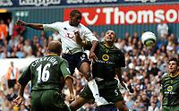 Fotball<br /> Premier League 2004/05<br /> Tottenham v Norwich<br /> White Hart Lane<br /> 12. september 2004<br /> Foto: Digitalsport<br /> NORWAY ONLY<br /> Jermaine Defoe<br />Tottenham Hotspur<br /> Craig Fleming Norwich City