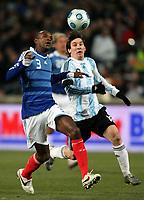 Fotball<br /> Frankrike v Argentina<br /> Foto: DPPI/Digitalsport<br /> NORWAY ONLY<br /> <br /> FOOTBALL - FRIENDLY GAMES 2008/2009 - FRANCE v ARGENTINA - 11/02/2009 - ERIC ABIDAL (FRA) / LIONEL MESSI (ARG)