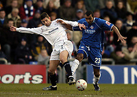 Fotball<br /> FA-cup 2005<br /> Oldham Athletic v Bolton Wanderers<br /> 30. januar 2005<br /> Foto: Digitalsport<br /> NORWAY ONLY<br /> Bolton's Anthony Barness (L) tries to stop Oldham's Kevin Betsy
