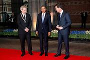 De Amerikaanse president Barack Obama tijdens zijn bezoek aan het Rijksmuseum in Amsterdam. Barack Obama is in Nederland voor de De Nuclear Security Summit 2014 (NSS)<br /> <br /> U.S. President Barack Obama during his visit to the Rijksmuseum in Amsterdam. Barack Obama is in the Netherlands for the 2014 Nuclear Security Summit (NSS)<br /> <br /> Op de foto/ On the photo:  Aankomst president Obama bij het Rijksmuseum, ontvangst door minister-president Rutte en burgemeester Van der Laan<br /> <br /> Arrival of President Obama at the Rijksmuseum,  by Prime Minister Mark Rutte and Mayor Van der Laan