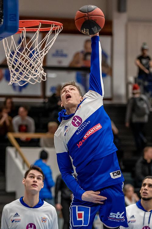 ÖSTERSUND 20191221<br /> Jämtlands Max Tandberg Vall under lördagens match i basketligan mellan Jämtland Basket och Köping Stars i Östersunds Sporthall.<br /> <br /> Foto: Per Danielsson/Projekt.P