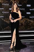 Moderatorin des Abends Sandra Studer in ihrem wundervollen schwarzen Kleid. Verleihung der Sports Awards am 15. Dezember 2019 in den SRF-Studios im Zürcher Leutschenbach.