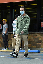 EXCLUSIVE: Giovanni Ribisi wears a face mask and gloves as he stocks up on groceries from Gelson's market amid coronavirus pandemic in Los Angeles. 20 Mar 2020 Pictured: Giovanni Ribisi. Photo credit: Gigi/P&P/MEGA TheMegaAgency.com +1 888 505 6342