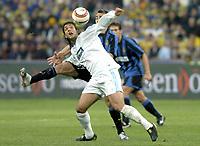 Fotball<br /> UEFA-cup 2003/04<br /> Inter Milan v Olympique Marseille<br /> 14. april 2004<br /> Foto: Digitalsport<br /> NORWAY ONLY<br /> <br /> MIDO (OM) / FABIO CANNAVARO (INT)