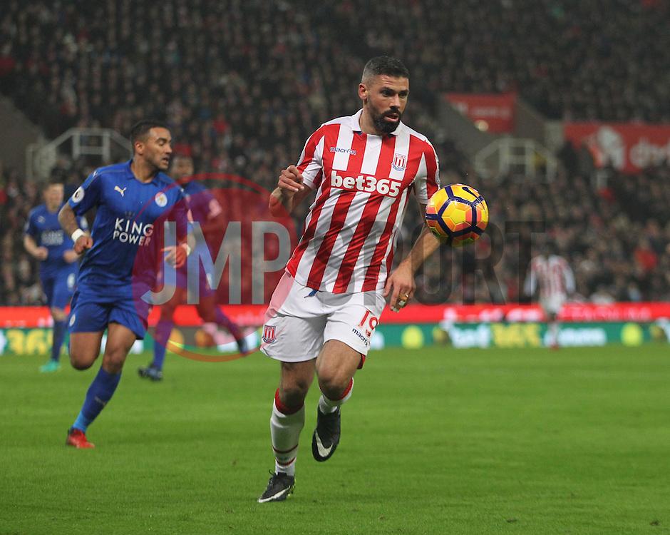 Jonathan Walters of Stoke City in action - Mandatory by-line: Jack Phillips/JMP - 17/12/2016 - FOOTBALL - Bet365 Stadium - Stoke-on-Trent, England - Stoke City v Leicester City - Premier League