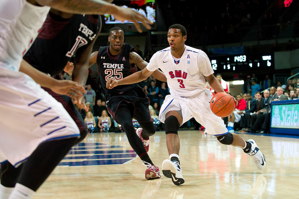 DALLAS, TX - FEBRUARY 6: Sterling Brown #3 of the SMU Mustangs drives to the basket against the Temple Owls on February 6, 2014 at Moody Coliseum in Dallas, Texas.  (Photo by Cooper Neill) *** Local Caption *** Sterling Brown