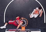 DESCRIZIONE : Milano Lega A 2015-16 EA7 Emporio Armani Olimpia Milano - Openjobmetis Varese<br /> GIOCATORE : Roko Ukic<br /> CATEGORIA : special tiro penetrazione<br /> SQUADRA : Openjobmetis Varese<br /> EVENTO : Campionato Lega A 2015-2016 GARA : EA7 Emporio Armani Olimpia Milano - Openjobmetis Varese <br /> DATA : 11/10/2015 <br /> SPORT : Pallacanestro <br /> AUTORE : Agenzia Ciamillo-Castoria/R.Morgano<br /> Galleria : Lega Basket A 2015-2016 Fotonotizia : Milano Lega A 2015-16 EA7 Emporio Armani Olimpia Milano - Openjobmetis Varese