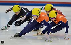 17-01-2014 SHORTTRACK: ISU EUROPEAN CHAMPIONSHIPS: DRESDEN<br /> In het EnergieVerbund Arena wordt het EK Shorttrack gehouden / Jorien ter Mors (NED) wordt Europees Kampioen op de 1500 meter. In de finale was het een mooie strijd tussen (L-R) Arianna Fontana (ITA), Jorien ter Mors (NED), Bernadett Heidum en Yara van Kerkhof (NED)<br /> ©2014-FotoHoogendoorn.nl