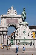 arco trionfal arch praca do comercio lisbon portugal