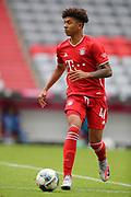 Chris Richards #41 von FC Bayern Muenchen, Einzelaktion During the Bayern Munich vs SC Freiburg Bundesliga match  at Allianz Arena, Munich, Germany on 20 June 2020.