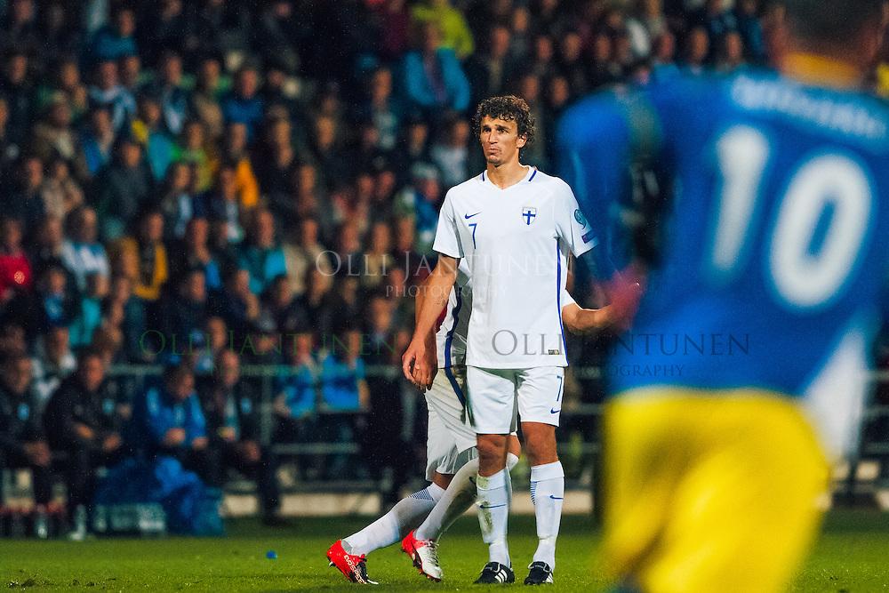 Roman Eremenko MM2018-karsintaottelussa Suomi - Kosovo. Veritas stadion, Turku, Suomi. 5.9.2016.