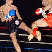 Freefightgala 2004 Hilversum, L. Banay(rood\witte broek) - Matthias Hempel