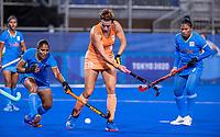 TOKIO - Frédérique Matla (NED)  met Deep Grace Ekka (IND) en Sharmila Devi (IND)  tijdens de wedstrijd dames , Nederland-India (5-1) tijdens de Olympische Spelen   .   COPYRIGHT KOEN SUYK