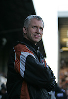 Photo: Lee Earle.<br /> Portsmouth v Charlton Athletic. The Barclays Premiership. 20/01/2007.Charlton manager Alan Pardew.