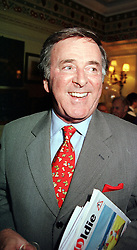 TV presenter TERRY WOGAN at a reception in London on 4th April 2000.OCR 114<br /> © Desmond O'Neill Features:- 020 8971 9600<br />    10 Victoria Mews, London.  SW18 3PY  photos@donfeatures.com   www.donfeatures.com<br /> MINIMUM REPRODUCTION FEE AS AGREED.<br /> PHOTOGRAPH BY DOMINIC O'NEILL