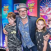 NLD/Utrecht/20190622 - Filmpremiere Toy Story 4, Eddy Zoey met zijn kinderen Fender, Teuntje