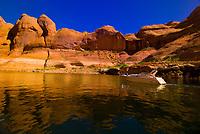 Boating on Lake Powell, Glen Canyon National Recreation Area, Arizona/Utah border USA