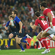 Morgan Parra, France, makes a break during the Wales V France Semi Final match at the IRB Rugby World Cup tournament, Eden Park, Auckland, New Zealand, 15th October 2011. Photo Tim Clayton...