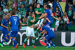 10.06.2012, Staedtisches Stadion, Posen, POL, UEFA EURO 2012, Irland vs Kroatien, Gruppe C, im Bild SEAN ST LEDGER, RICHARD DUNNE, VEDRAN CORLUKA // during the UEFA Euro 2012 Group C Match between Ireland and Croatia at the Municipal Stadium Poznan, Poland on 2012/06/10. EXPA Pictures © 2012, PhotoCredit: EXPA/ Newspix/ Jakub Kaczmarczyk..***** ATTENTION - for AUT, SLO, CRO, SRB, SUI and SWE only *****