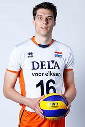 20150506 NED: Selectie Nederlands volleybal team mannen, Arnhem<br />Op Papendal werd het Nederlands team volleybal seizoen 2015-2016 gepresenteerd / Frits van Gestel<br />©2015-FotoHoogendoorn.nl / Pim Waslander