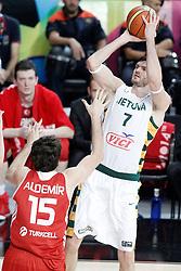 09.09.2014, City Arena, Barcelona, ESP, FIBA WM, Litauen vs Türkei, Viertelfinale, im Bild Lithuania's Darjus Lavrinovic (r) and Turkey's Furkan Aldemir // during FIBA Basketball World Cup Spain 2014 quarterfinal match between Lithuania and Turkey at the City Arena in Barcelona, Spain on 2014/09/09. EXPA Pictures © 2014, PhotoCredit: EXPA/ Alterphotos/ Acero<br /> <br /> *****ATTENTION - OUT of ESP, SUI*****
